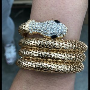Jewelry - Wow 😮 gold snake 🐍 bracelet with rhinestone